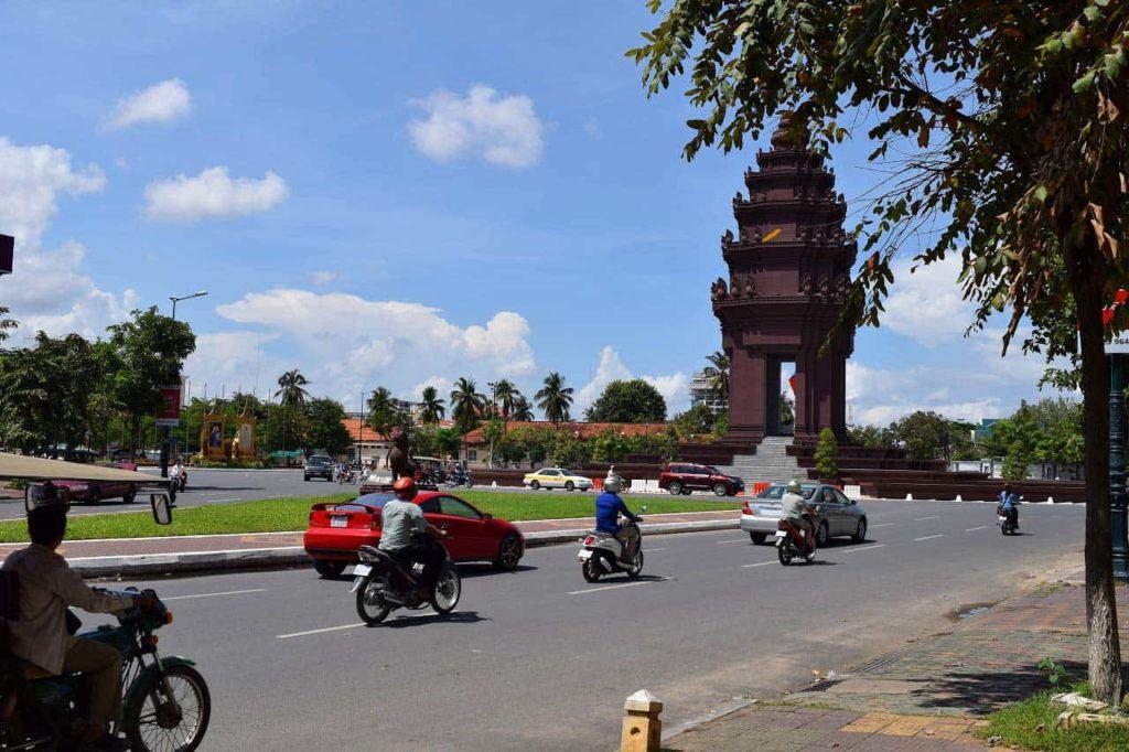 カンボジアの歴史から学ぶポル・ポト政権による大量虐殺!