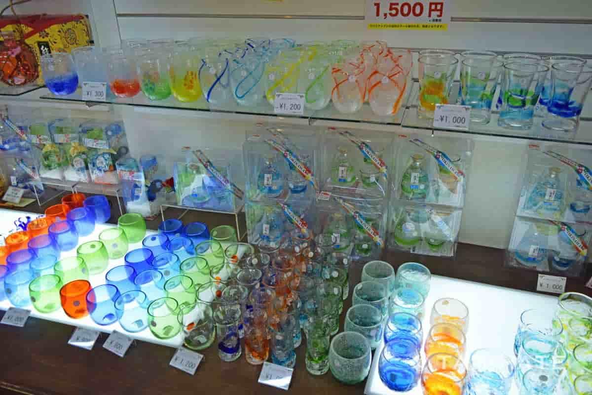 パイナップルハウスで売られている琉球グラス