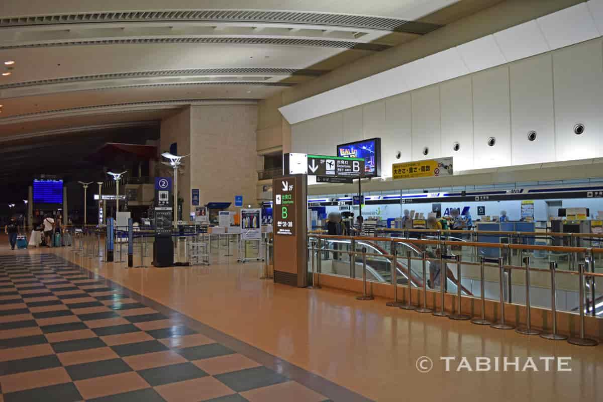 那覇空港のチェックインカウンター