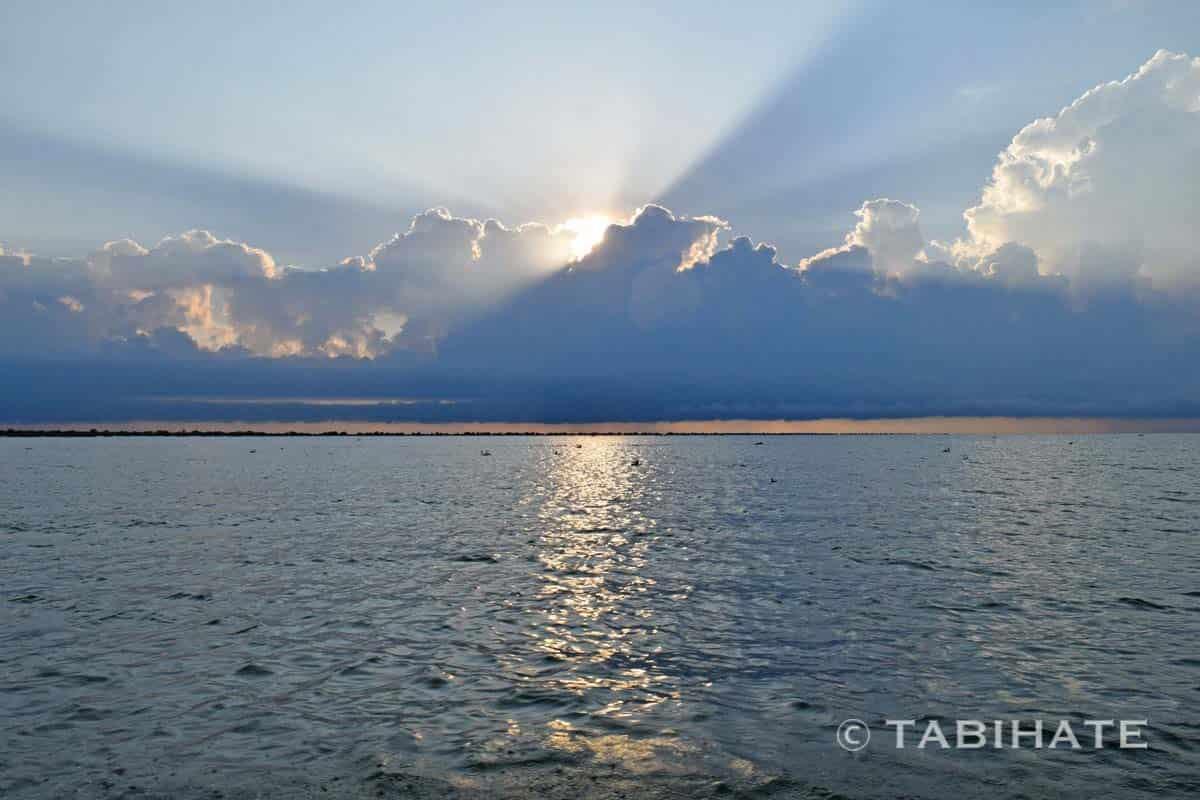 トンレサップ湖の日の出